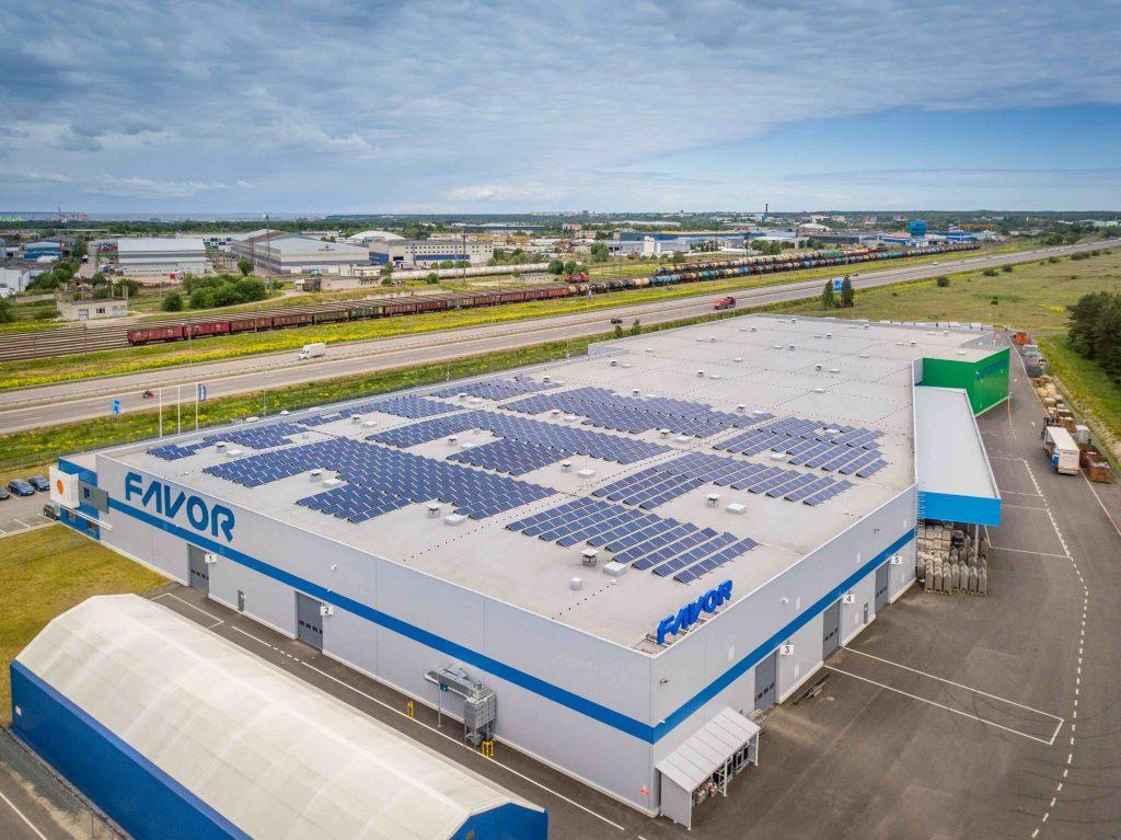 Otseliiniga tööstushoone päikesejaam Harjumaal, 2017a