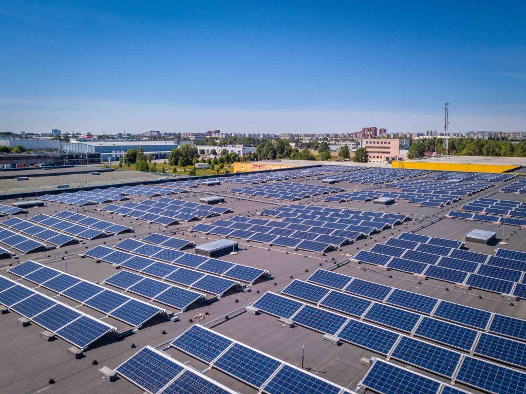 Otseliiniga laohoone päikeseelektrijaam Tallinnas
