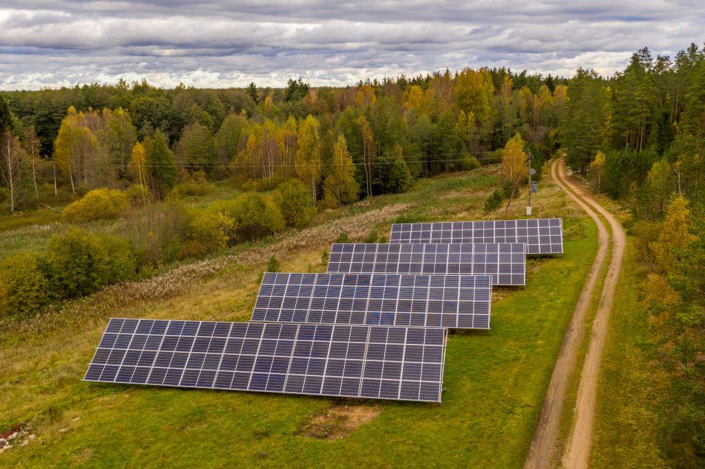 Back-up võimekusega päikeseelektrijaam Kuusalus