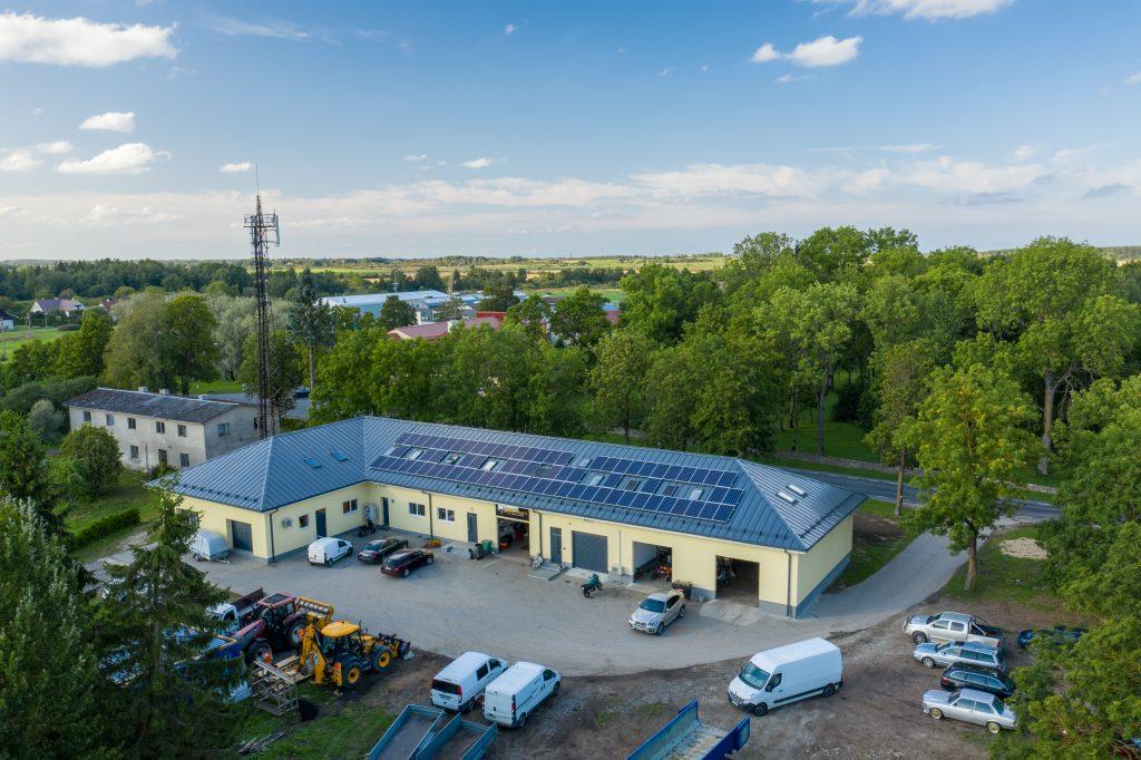Valtskatuse peale ehitatud päikeseelektrijaam Harjumaal