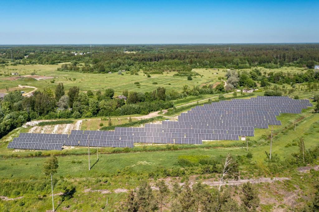 1MW kogu liitumisvõimsusega päikeseelektrijaam Pärnumaal